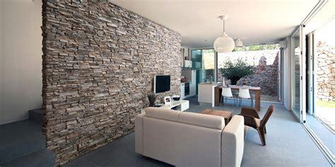 muri di pietra interni architettura di interni la nostra sede con il tetto in