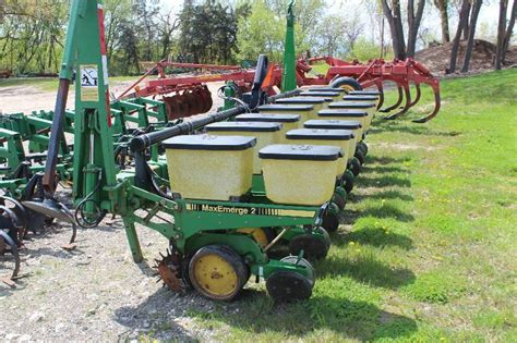 Deere Planter History by Deere Eight 30 In Row Corn Planter Prior Lake