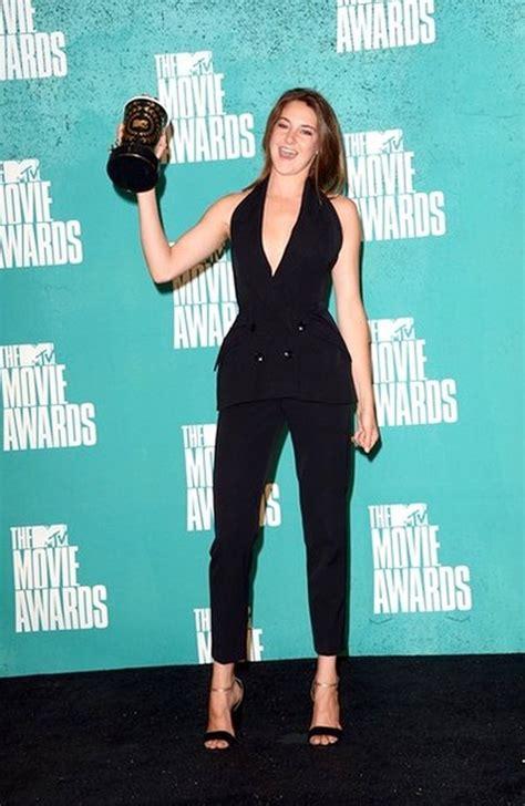 foto shailene woodley raih penghargaan best character foto emma watson raih best cast melalui film harry potter
