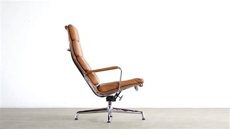 Charles And Eames by Charles Eames Aluminium Lounge Chair Ea 224 Vitra