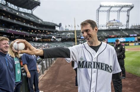 emily bambridge skipper huw fernie makes first pitch at mariners game