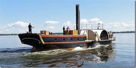 barco a vapor editorial barco de vapor