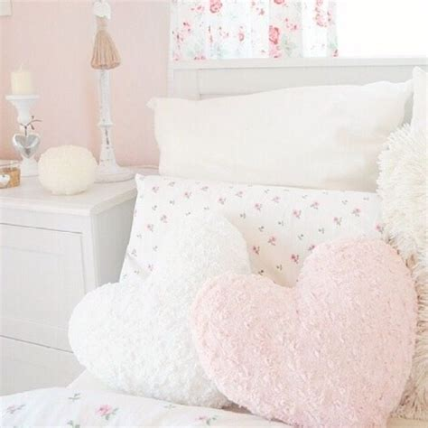 Pastel Bedroom Cushions i this girly room especially the pink white