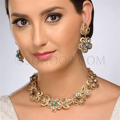 nec 1 3705 hasna necklace set with earrings in dull gold