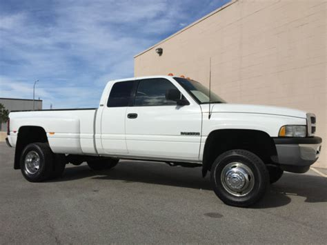 WOW! 1998 DODGE RAM 3500 DUALLY 4X4 SLT QUAD CAB 12V 5.9L