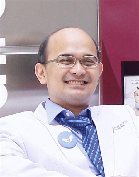 daftar layanan konsultasi dokter spesialis urologi terbaik