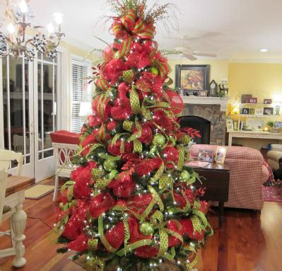 how to decorate with wide ribbon on xmas trees deco mesh tree ladybug wreaths by nancy