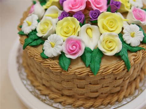 learn cake decorating at home how to learn about common cake decorating terms 7 steps