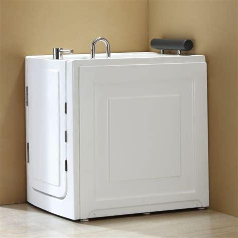 vasca da bagno per anziani prezzi vasca per anziani e disabili con sportello di ingresso
