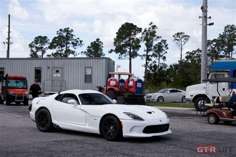 ny auto show dodge viper acr still has it carscoops com image gallery 2014 viper white