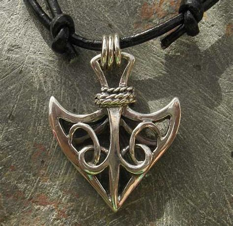 mens celtic arrowhead necklace love2have in the uk