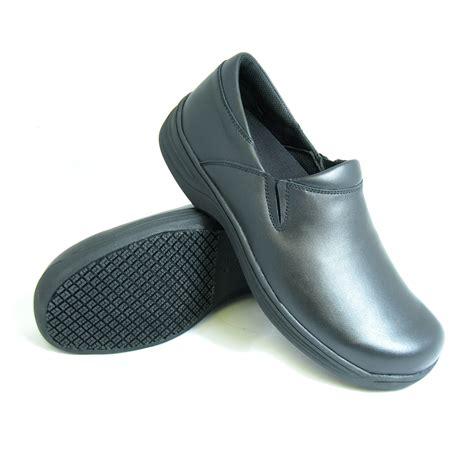 genuine grip slip resistant slip on work shoes 470