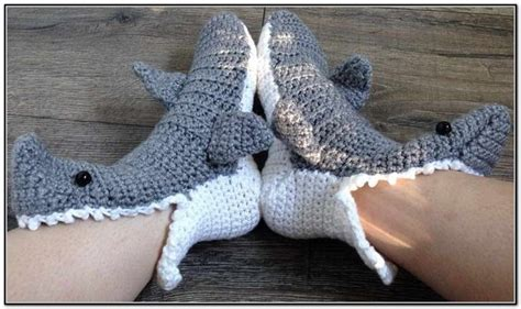 knitted shark booties shark slippers knitting pattern 28 images knit gray