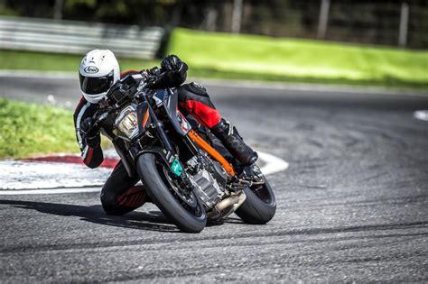 Metzeler Motorrad by Metzeler Racetec Rr