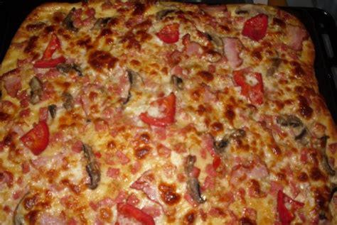 pizzeria a casa reteta culinara pizza de casa bucataras
