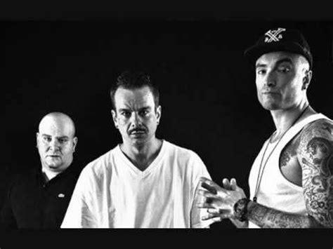 bassi maestro foto di gruppo testo le migliori frasi e rime rap hip hop ita doovi