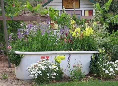 bathtub garden 20 yard landscaping ideas to reuse and recycle old