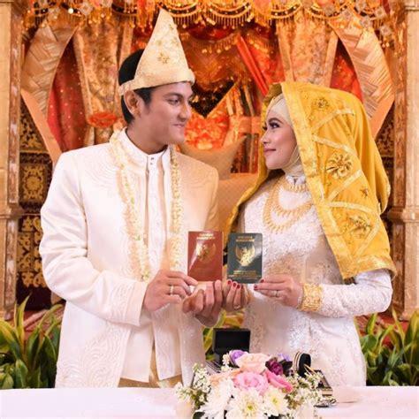 Beskap Pengantin Modern 6 ragam busana pengantin adat koto gadang dengan sentuhan warna warna cerah nan elok sungguh meriah