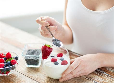 eating yogurt before bed the 30 best breakfast habits to drop 5 pounds eat this