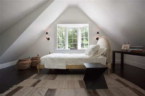 20 attic bedroom designs efficiently utilizing roof