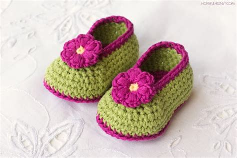 free pattern for crochet baby booties crochet baby booties the whoot
