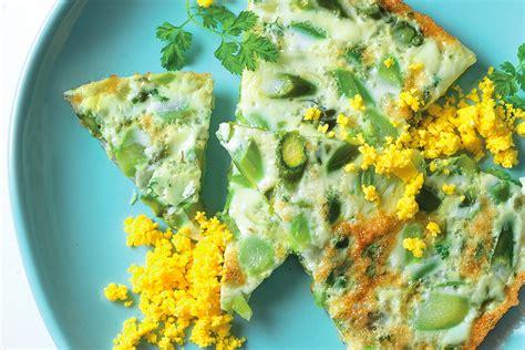 cucinare gli asparagi verdi ricetta frittata di albumi con asparagi le ricette de la