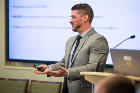 Csu Early Career Mba by Graduate Workshop Encourages Students In Successful