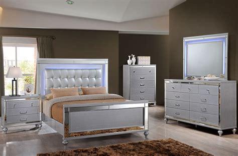 valentino silver panel bedroom set   classic coleman furniture