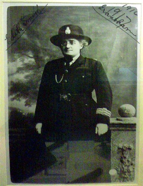 first female police officer the first world war and the first female police officer