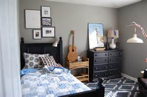 Awesome Small Bedroom Paint Ideas Apartments Awesome Bedroom Furniture Set For Guys With Black Single Bed And Storage