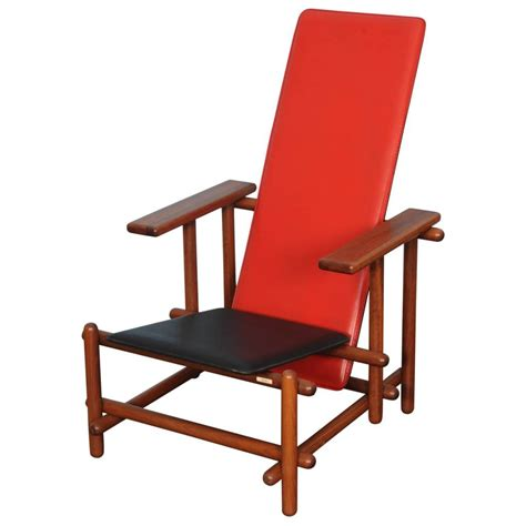 Gerrit Rietveld Chair by Cassina Lounge Chair In The Manner Of Gerrit Rietveld