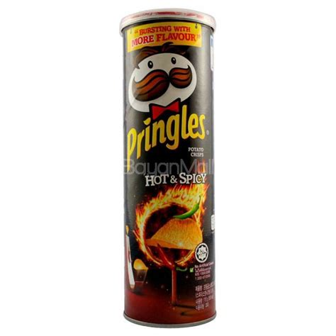 pringles potato crisps hot spicy flavor