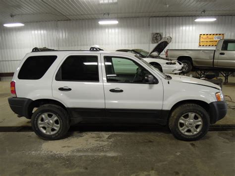2004 ford escape parts 2004 ford escape rear drive shaft at 87000 20233171