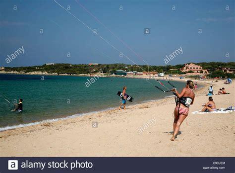 sardinia porto pollo surfen am strand porto pollo sardinien italien