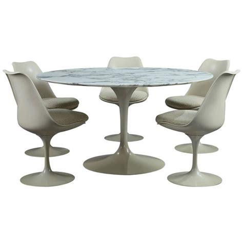 Early Eero Saarinen Tulip Dining Table With Carrara Tulip Dining Table And Set Of Five Tulip Seats By Eero