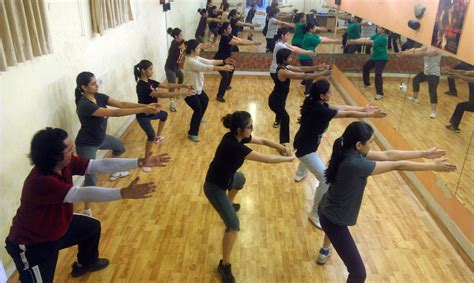 zumba exercise tutorial what is zumba fitness training and it s benefits