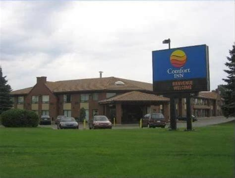 comfort inn montreal comfort inn airport dorval montreal compare deals