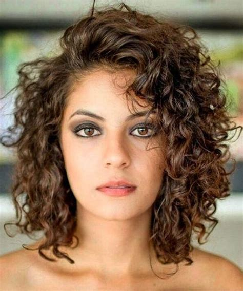 above shoulder wavy hair with bangs best shoulder length curly hairstyles 2018 for women
