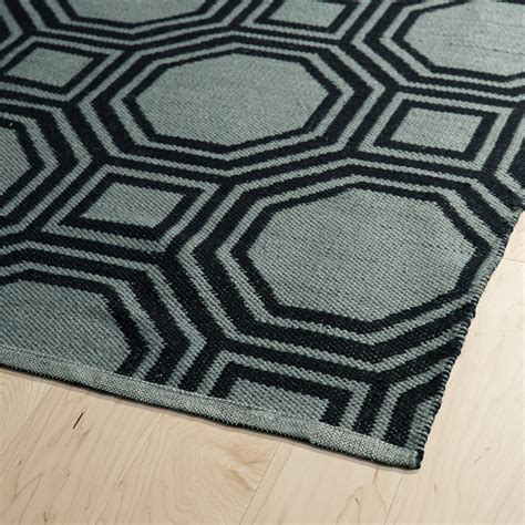 Grey Black Rug by Brisa Geo Rug In Grey And Black Rosenberryrooms