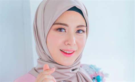 Sepatu Wakai Motif Cewek intip gaya hijaber korea yang imut stylish jihye