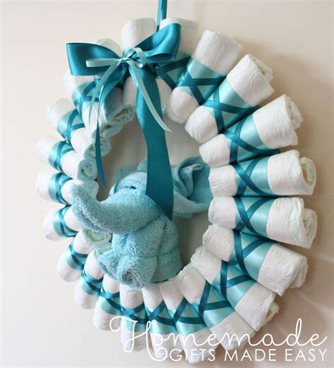 Handmade Things For Newborn Baby - wreath rolled diapers for chic style