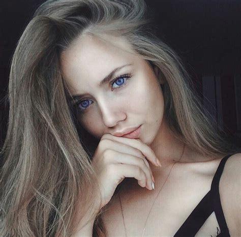 beautiful blue eyes brunette girl selfie the gallery for gt pretty brown hair blue eyes