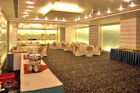 centre point hotel nagpur booking  rates contact