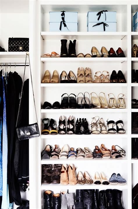 clean your closet how to clean out your closet the vogue way 2 the femin