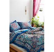 Dandeli Medallions Bedrooms Ideas Bows Plum And Dand