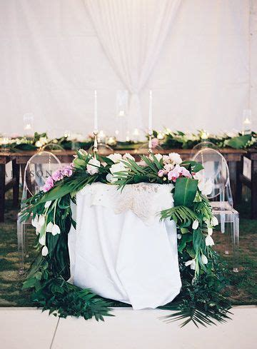 boho tropical glam sweetheart table @ivyrobinson