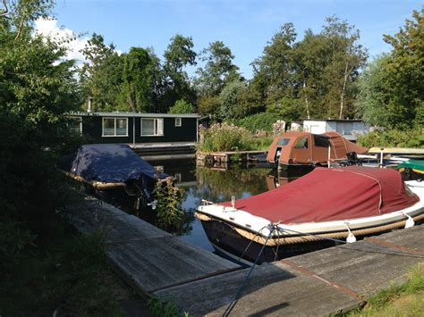 ligplaats voor woonboot te huur bivobo 187 ilperveld een oase van rust eigen tuin en