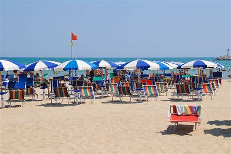 porto san giorgio ceggi spiaggia porto san giorgio marche spiagge italiane su