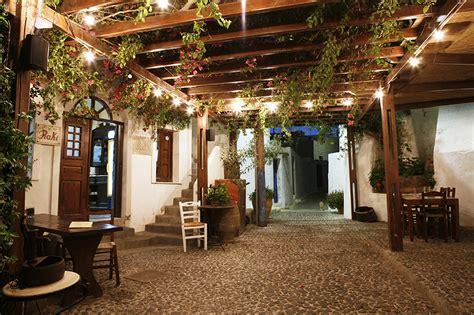 comprare casa a santorini un bellissimo villaggio in vendita a santorini casa it
