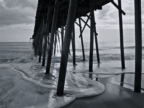 surf wallpaper black and white black and white surf and pier wallpaper the long goodbye